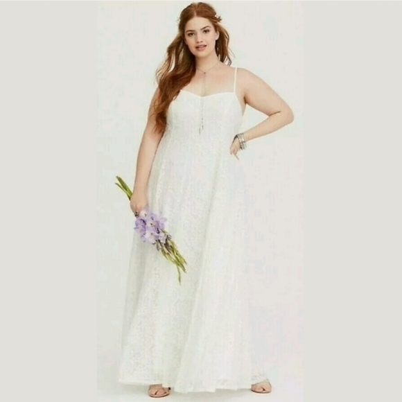 TORRID Long Lace Wedding Dress, Size 1X NWT